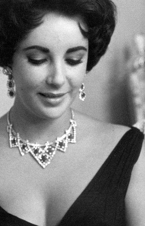 Elizabeth Taylor wearing a Bulgari necklace & earrings, c. 1960's.