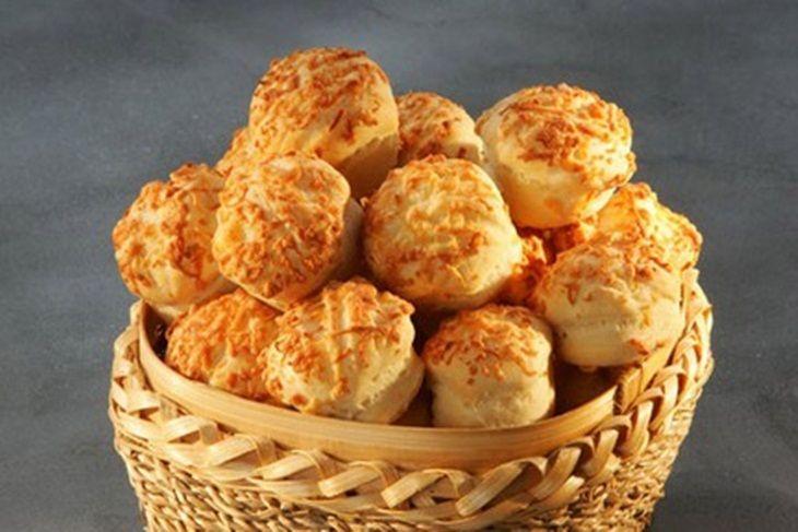 Szilveszteri sajtos pogácsa