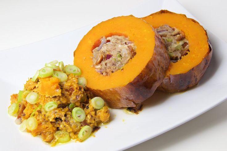Gefüllter Butternuskürbis mit Hackfleisch und Erdnüssen. Sehr lecker und einfach zuzubereiten, toll für den Herbst!