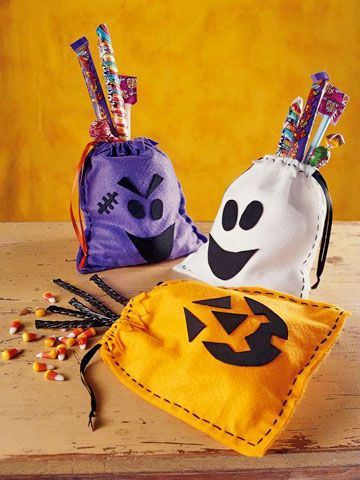 Felt Favor Bags These hand-sewn felt favor bags are easy to make -- no complicated patterns or scary stitches involved. The silly faces are made from adhesive-backed crafts foam.