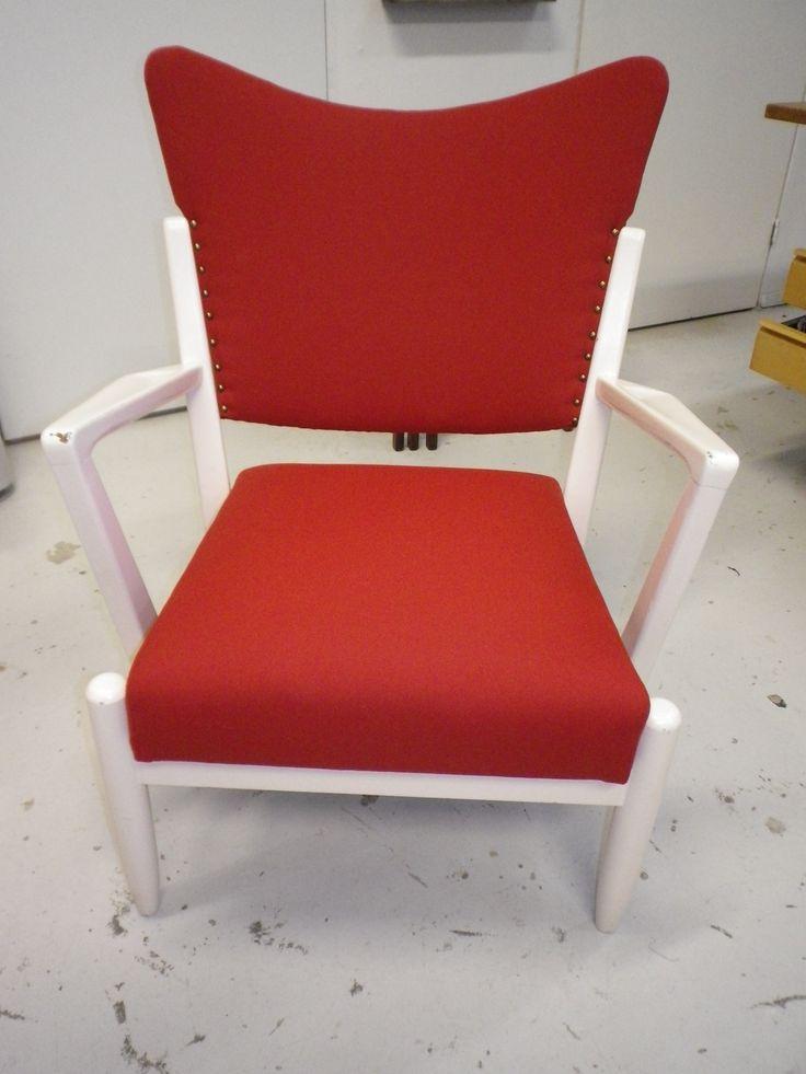 Askon tuoli, malli ruotsista  50-luvun dux jousitus pehmusteella, verhoiltu uudelleen