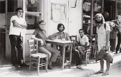 Η εικόνα των χίπις σε καφενείο στην Κρήτη θα αναβιώσει στις 11 και 12 Ιουνίου