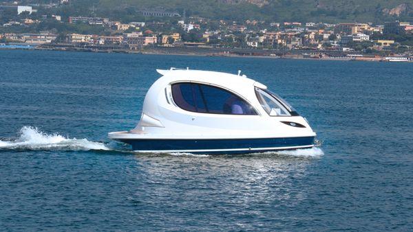 Jet Capsule: Το μικρότερο Lux Yacht στον κόσμο
