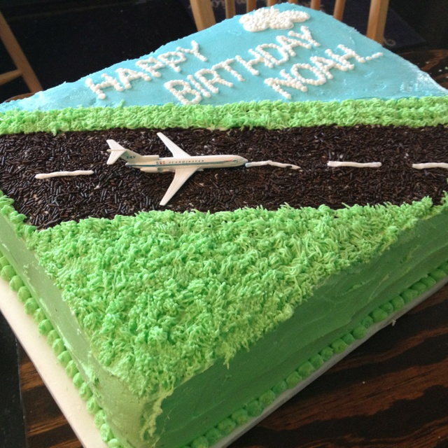 Airplane Cake ( with Fall colors for Rudys bday)