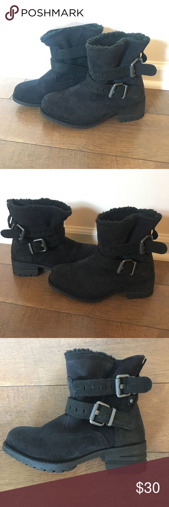 CAT Jory Black Suede Ankle Boots Size 5.5 CAT by Caterpillar Jory Black Suede Ankle Boots w/fuzzy lining; display models, never worn, some light wear from display use. Size 5.5 MSRP $110 Caterpillar Shoes Ankle Boots & Booties