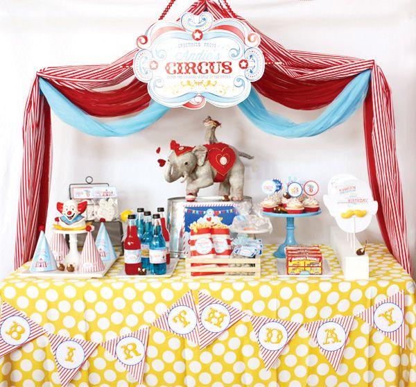 circus-birthday-party-dessert-table