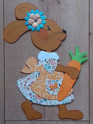 Fensterbild Tonkarton Frühling/Ostern Ein Osterhasen Mädchen mit Möhre
