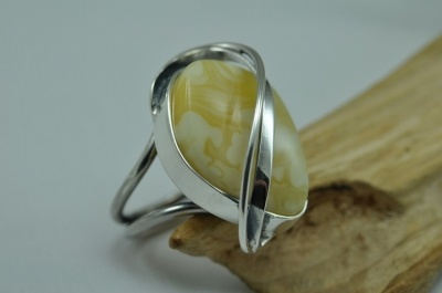 Fantastic modern adjustable genuine amber ring - silver.
