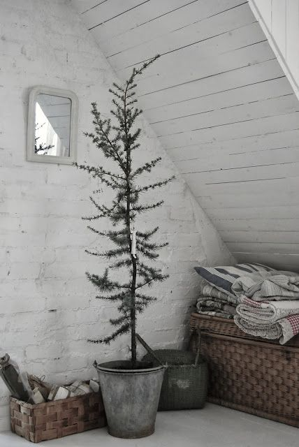 tree in a tub - rustic Christmas - winter wonderland - nordic vibes
