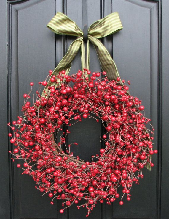Christmas Berry Wreath, Red Berry Wreaths, Christmas Red, Holiday Wreaths, Holiday Decor, Winter Wreaths    PLEASE NOTE: This wreath can be