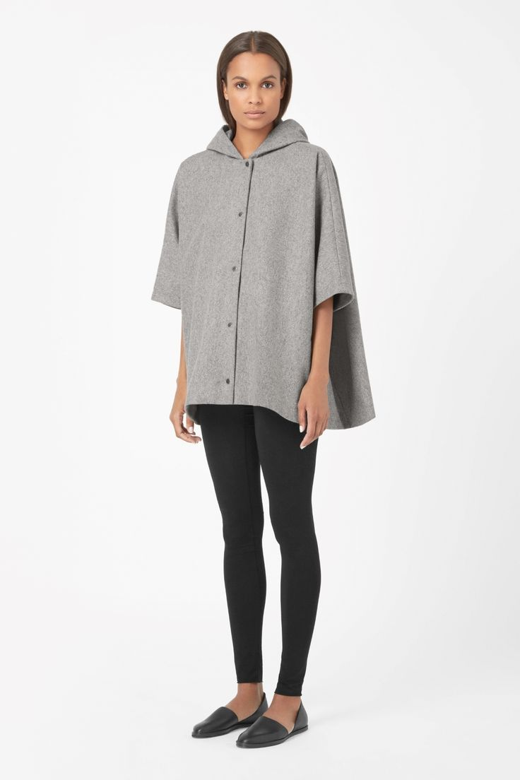 Designed for relaxed everyday wear: hooded wool-mix jacket!