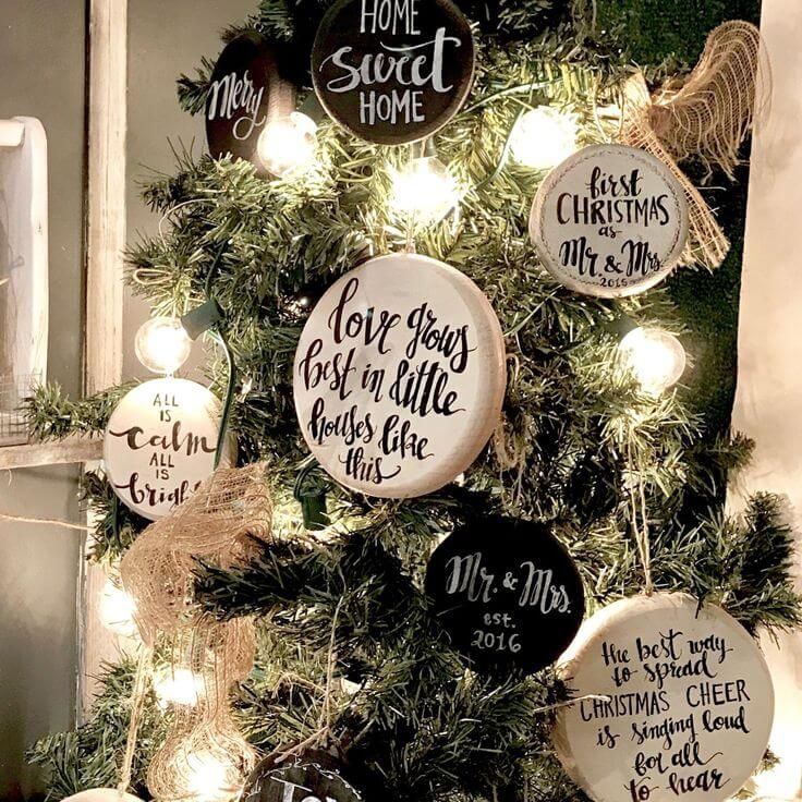 38 Festive Rustic Farmhouse Christmas Decor Ideas To Make Your Season Both Merry And Bright Farmhouse Christmas Tree Rustic Christmas Tree Christmas Decorations Rustic