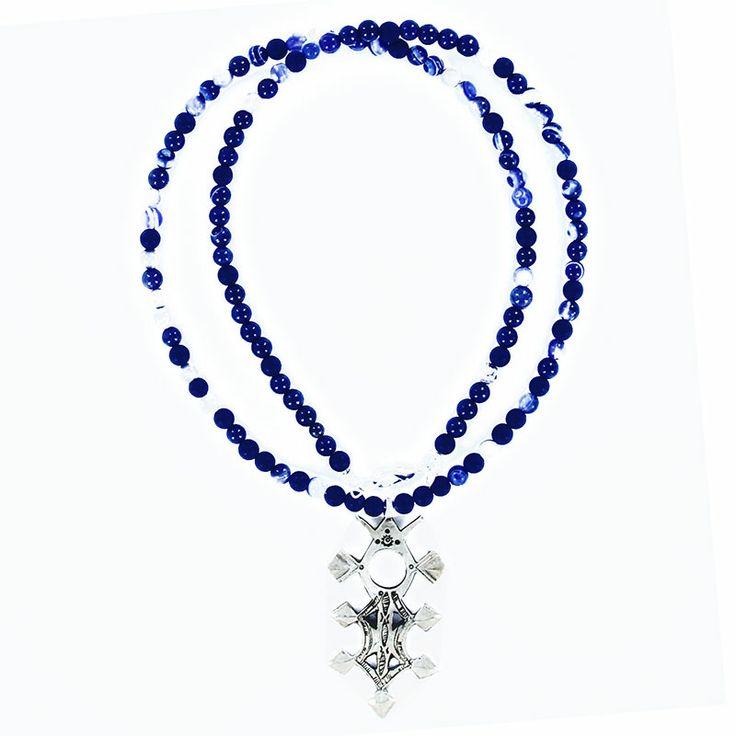 Collier croix du sud en argent et agate bleue pour homme et femme. Création la bijouterie Toulouse Laoula