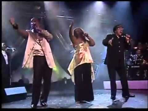 THE HUES CORPORATION -  ROCK THE BOAT ( LIVE )