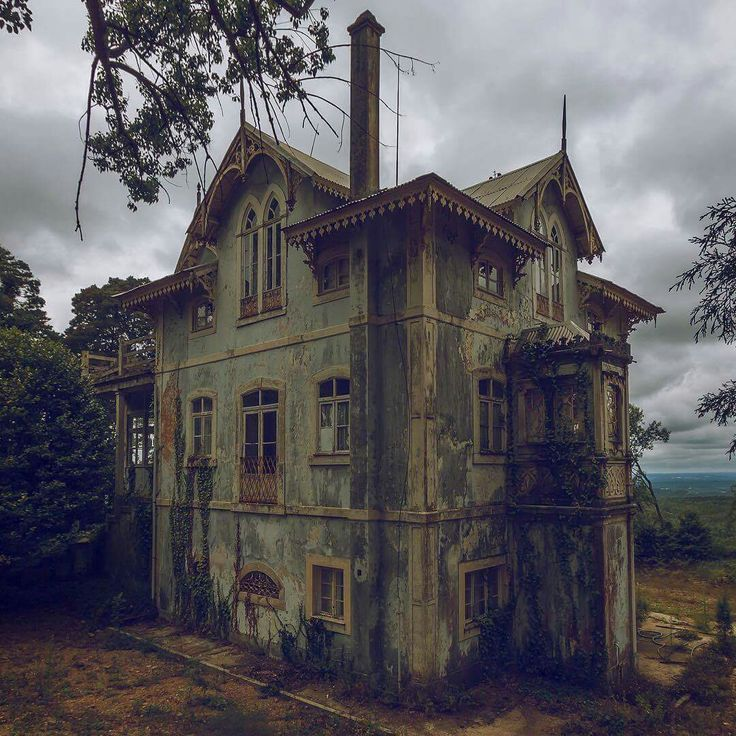 abandoned house, Portugal
