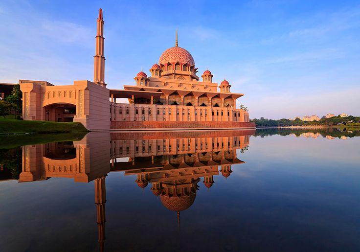Putra Mosque : Putrajaya Tourist Destination Reviews - Putra Mosque