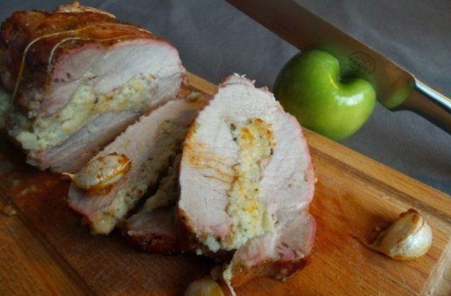 Rôti de porc aux pommes et à l'ail