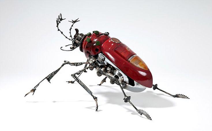 James Corbett est un artiste Australien qui crée des sculptures à partir de pièces détachées automobiles qu'il récupère au compte-gouttes. Ce sculpteur imagine des œuvres originales, uniques en leu…