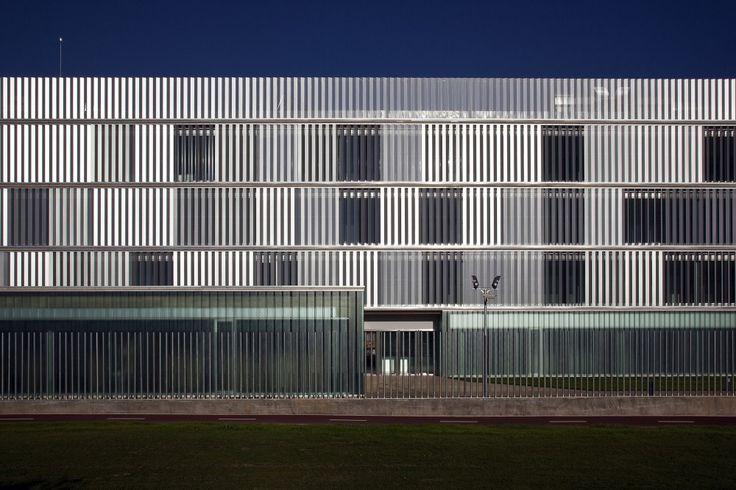 Police Headquarters in Logroño / Matos-Castillo Arquitectos