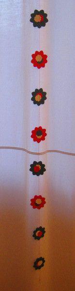 Decorazioni stagionali - Decorazione natalizia da appendere con fiori - un prodotto unico di Oggetti-cuciti-e-ricamati-da-Monica su DaWanda