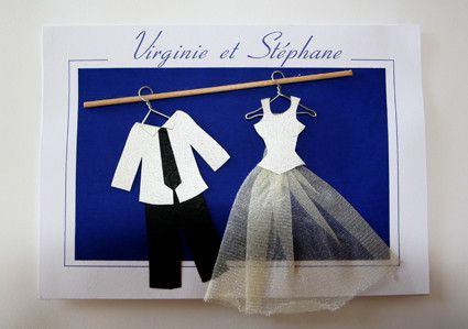 Pour notre mariage il y a 10 ans, je voulais des faire-parts originaux. J'ai préparé des costumes et des robes en tissu et carton. J'ai collé tout cela sur des mini cintres faits maison... (à la pince) Désolée pour la qualité mais j'ai pris des photos...