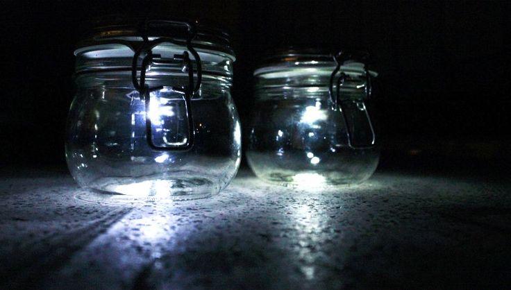 Eine Lampe selber machen: das Solarlicht im Einmachglas