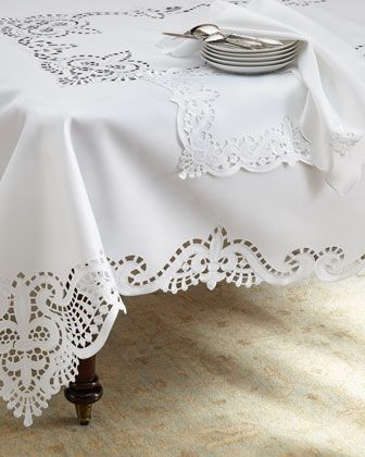 Table linens. #saveur, #dinnerparty
