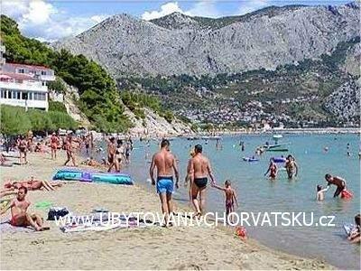 Croatia ::: South Dalmatia :: Omis : Pension Radoslav. www.ACCOMMODATIONinCROATIA.net