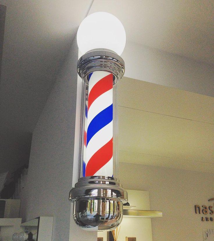 Palo del barbiere!! #bellessere #barber #barbershop #barbercorner #barberlove #barberlife #barberstyle #barberia #barbiere #oldstyle #oldschool #barberpole #vittorioveneto #treviso #2016 by bellessere77