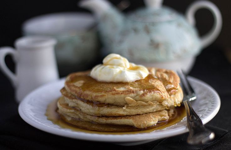 This Sour Cream Pancakes is the ultimate pancake recipe. These pancakes are thick and fluffy, and serving them topped with a scoop of sour cream and warm maple syrup makes them unbelievably scrumptious.