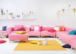 Bildergebnis für rosa Sofa gelber Teppich