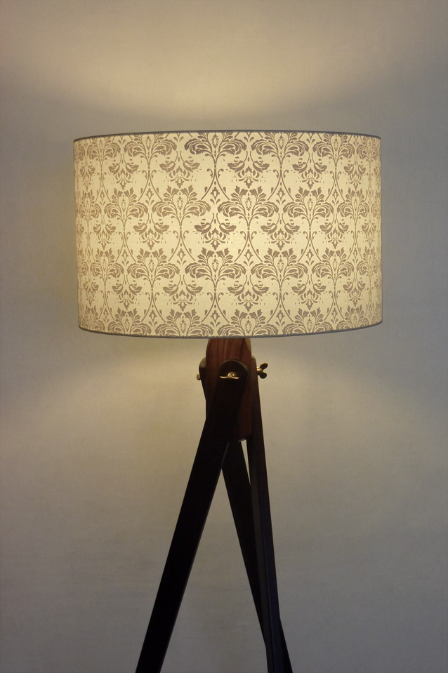 Acanthe 50cm & Wooden Tripod Lamp Shade