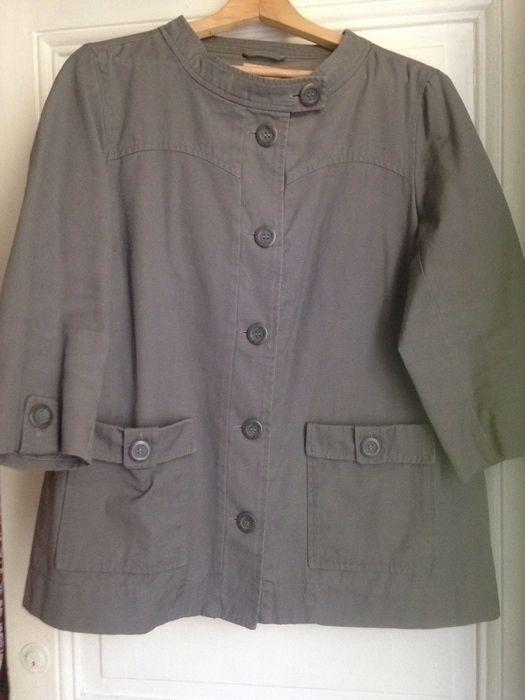 Veste Monoprix coton Monoprix ! Taille 44 / 16 / XL  à seulement 7.20 €. Par ici : http://www.vinted.fr/mode-femmes/autres-manteaux-and-vestes/25126496-veste-monoprix-coton.