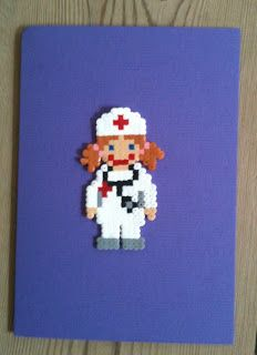 Læge i hamaperler, Card with doctor in hama beads