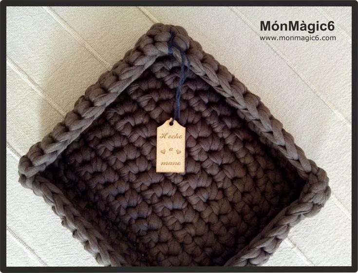 Paso a paso de un cesto cuadrado hecho con trapillo. www.monmagic6.com