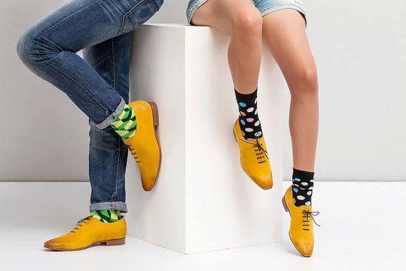 He encontrado este interesante anuncio de Etsy en https://www.etsy.com/es/listing/157333060/womens-oxford-shoes-womens-shoes-yellow