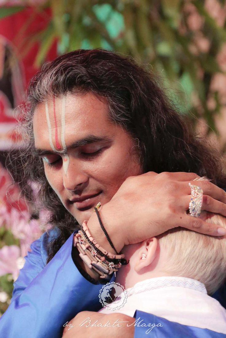 The amazing #Grace of a Living #Master's Darshan! #Darshan of Sri Swami #Vishwananda at Shree Peetha Nilaya 26.6.2015