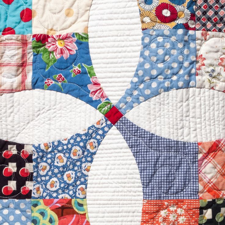 """Flowering Snowball 90"""" x 99"""" I've been trying to quilt all my recent quilt tops myself, but this one was just too big for me to handle. Thanks to the talented Sharon and her long-arm machine, this ..."""