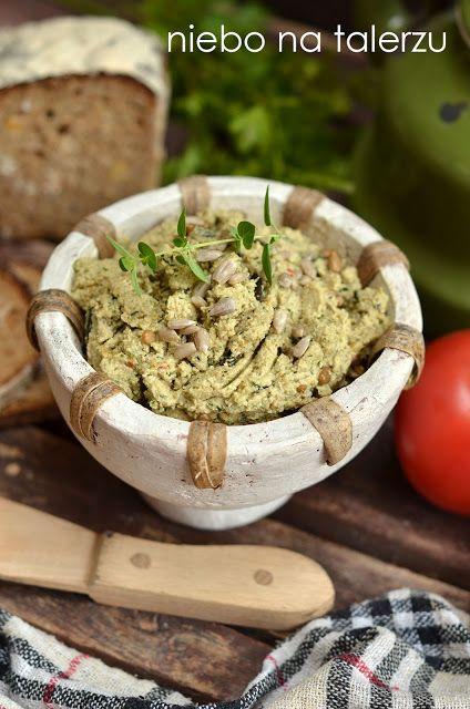 Szybka i łatwa w przygotowaniu, wegetariańska pasta ze słonecznika, zdrowa, bardzo smaczna, na kanapki, na przyjęcia, idealna ze świeżym pieczywem