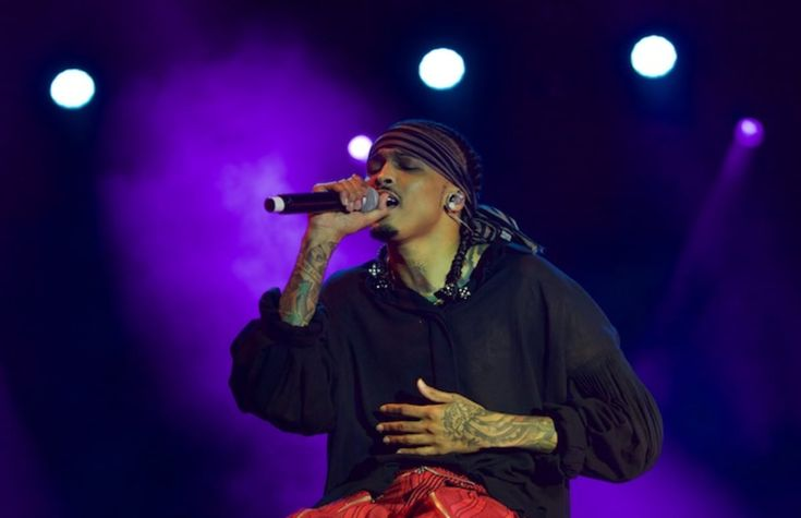 August Alsina Claims Label Is Holding Up His Album: 'Tell Them to Free Me' #free_bitcoins  http://cmun.it/oHsFIY2 - content published by http://cmun.it/quality-contentpic.twitter.com/iSmXk4jv7M