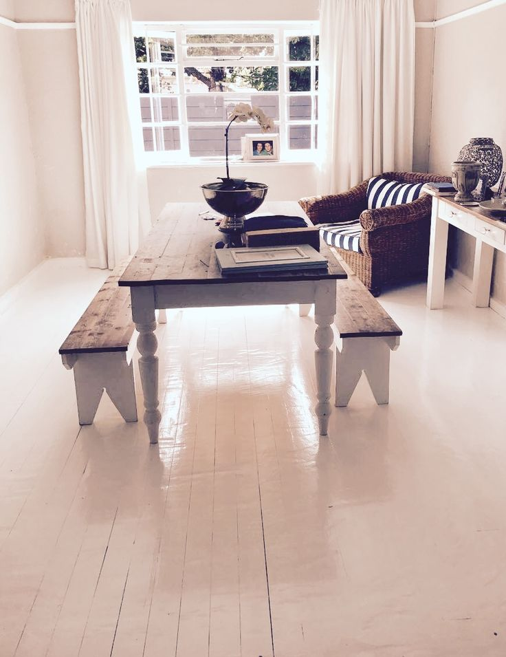 White polyurethane floor by Pascal Projects www.pascalprojects.co.za