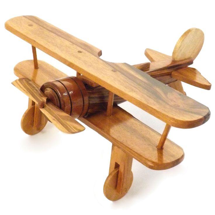 Miniatura / Réplica de Avião - Artesanato - Em Madeira - 11x22 cm | Carro de Mola - Decorar faz bem.