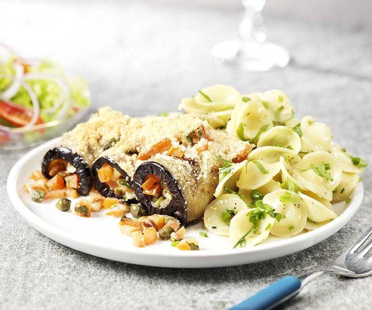 Auberginerolletjes met kruidige pasta