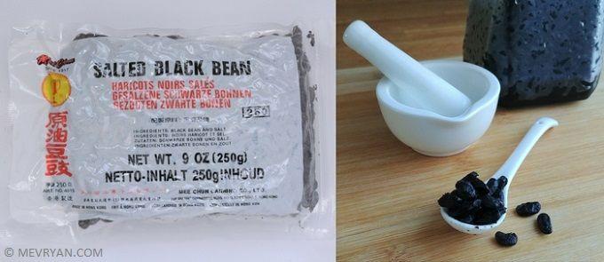 Wat zijn gefermenteerde zwarte bonen? Lees meer op © mevryan.com, lekker Aziatisch koken #zwartebonen #saus #Chinees #recepten #koken
