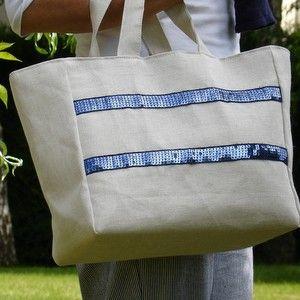 Sac en coton et lin naturel avec 2 rubans de paillettes marine cousu sur les 2 faces. www.laurence-raulet.com