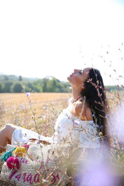 Un abito bianco ed è subito estate! #accessorize #accessorizeitalia #totalwhite #whitedress #fashionblogger #flowers #colourpower