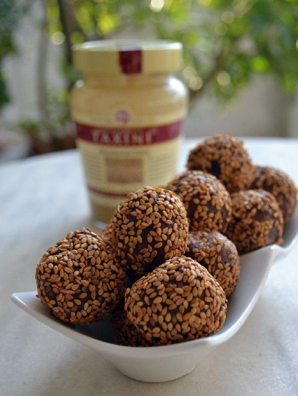 Τρουφάκια σοκολάτας με Μακεδονικό Ταχίνι και σουσάμι ! | Sokolatomania.gr