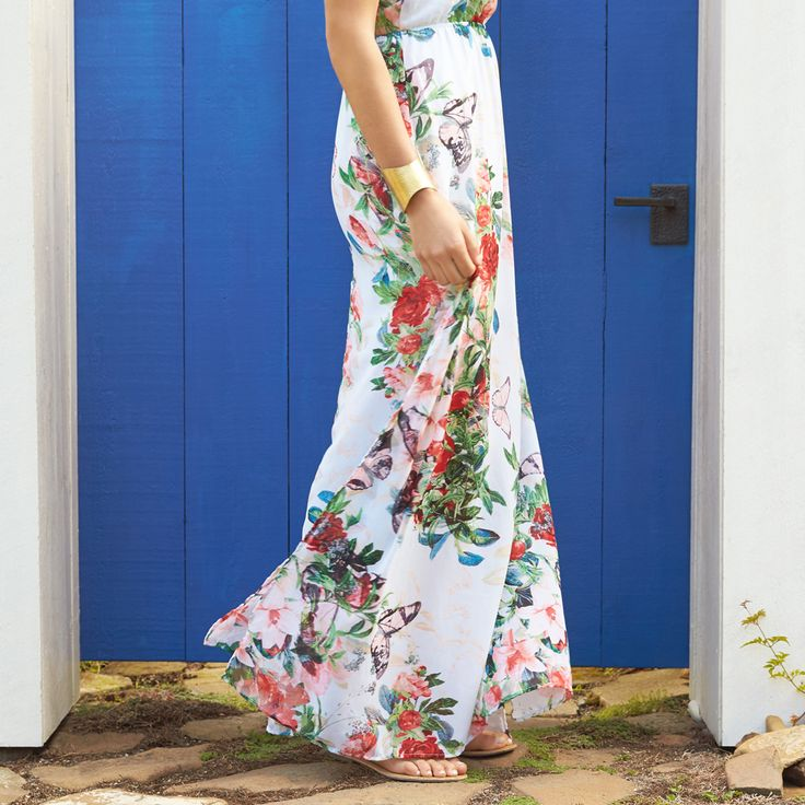 This dress. Repin if you're loving this summery maxi! (Ruby Maxi Dress)