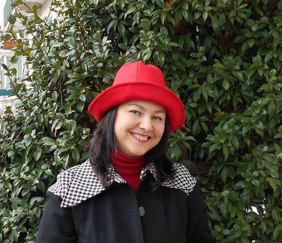 Cappello da donna rosso con fiori di pizzo di BIELLESTYLE su Etsy