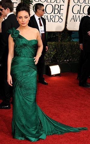 Mila Kunis looking smoking hot in an emerald green Vera Wang! chicfactorgazette.com
